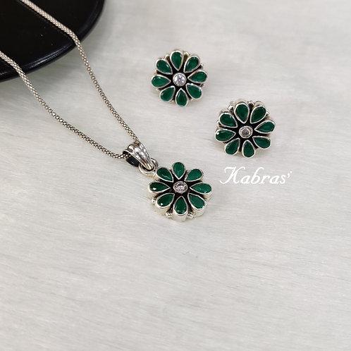 Green Floral Pendant Set