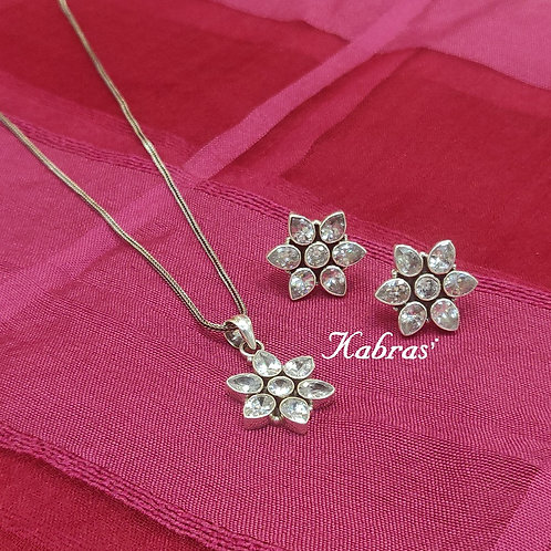 Cut Stone Floral Pendant Set