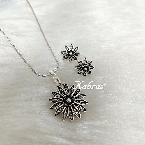 Sunflower Pendant Set
