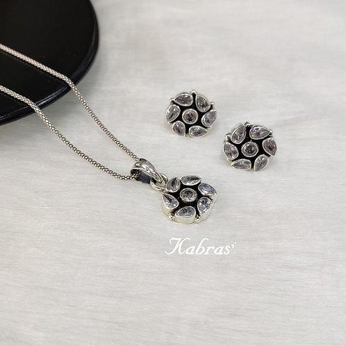Floral Cut Pendant Set