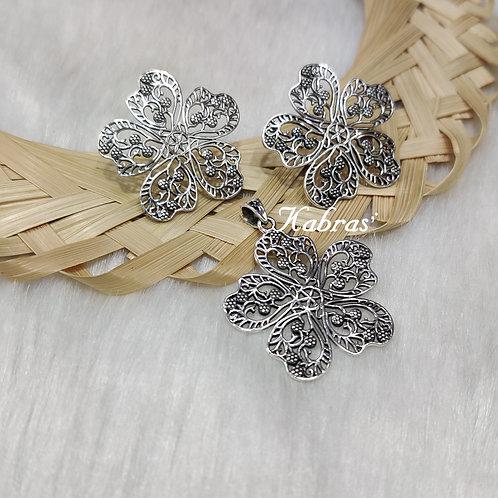 Quilled Floral Pendant Set