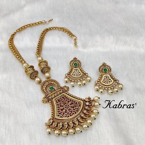 Pankhuri Thewa necklace