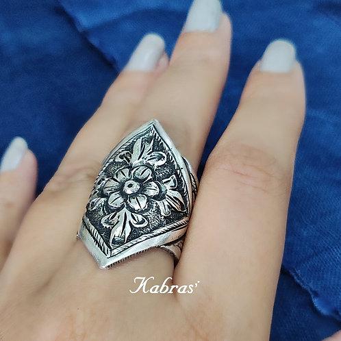 Kite Nakshi Ring