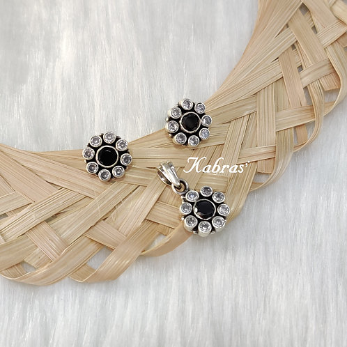 Black White Round Pendant Set