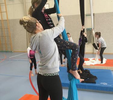Luftakrobatik für Kinder