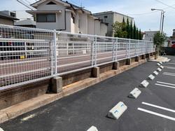 店内駐車場フェンスの設置