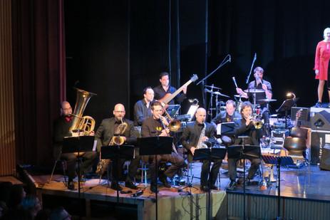 ...Chanson Chor Band