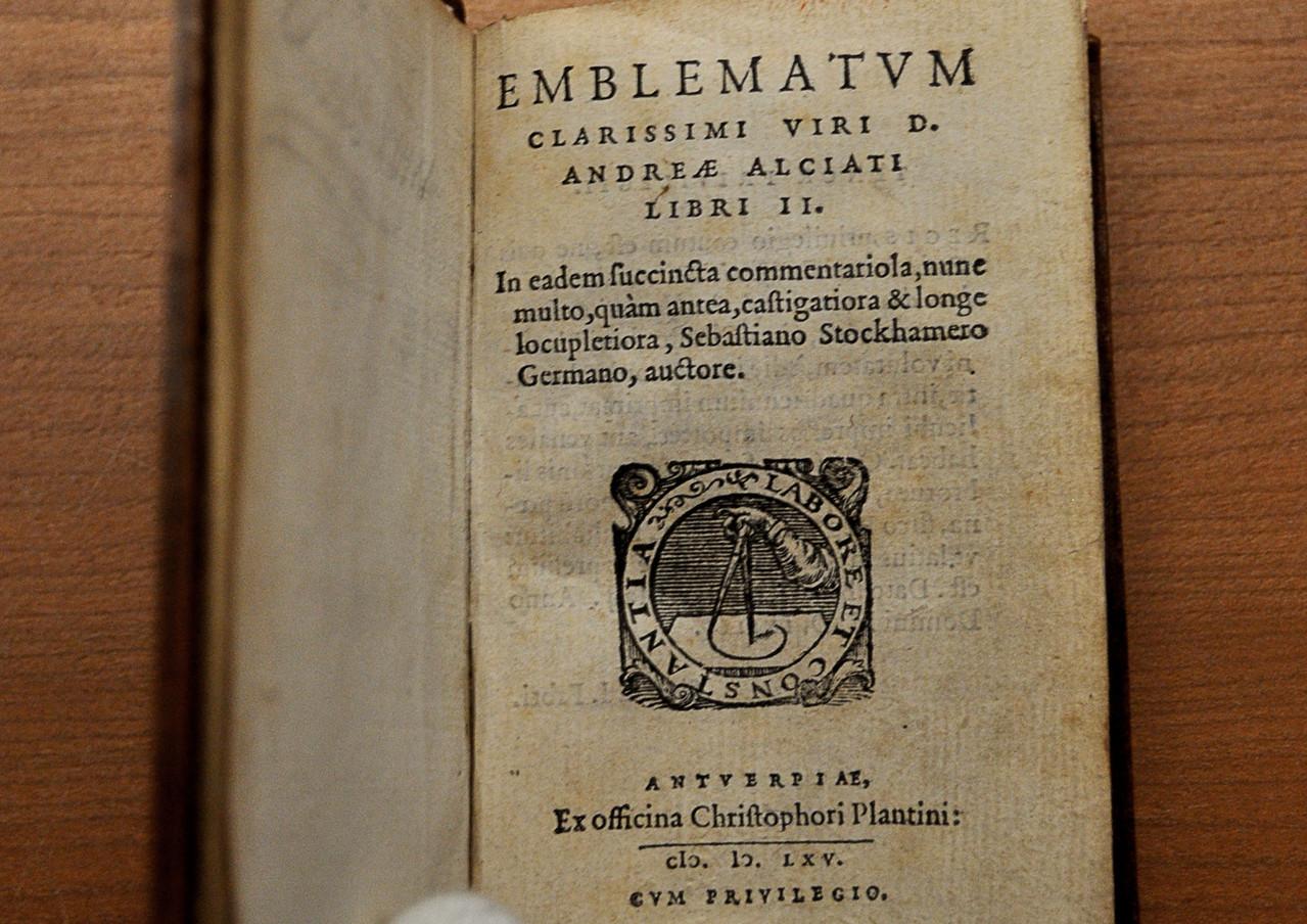 Emblematum libri II