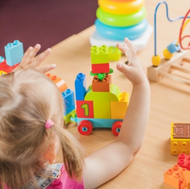 Le jeu chez l'enfant au développement typique