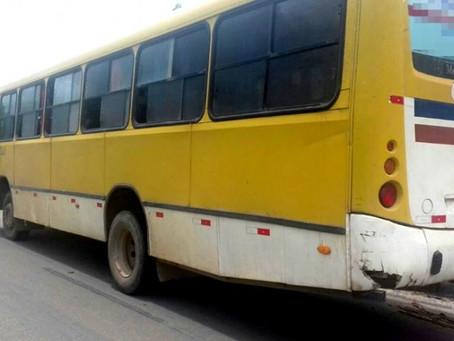 Mucuri: ônibus escolar é flagrado transportando gasolina entre estudantes