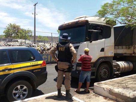 Motorista embriagado levava carga de 36 toneladas na BR 242