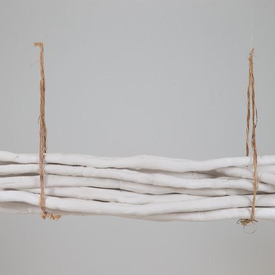 Cana-coluna / Cane-column | 2018 - Escultura / Instalação / Instalation | Gesso / Plaster | 3 x 90 x 3 cm (cada peça de 13 / each part of 13)