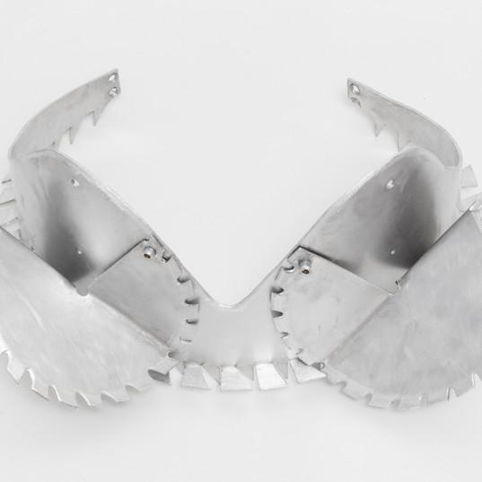 LYZ PARAYZO  Top Dentado | 2018 Alumínio Dimensões variáveis