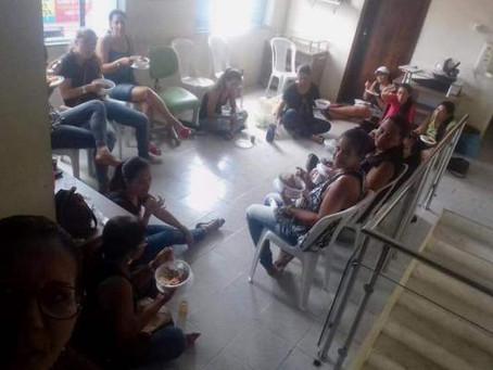 Em greve há 17 dias, professores ocupam Prefeitura de Teofilândia