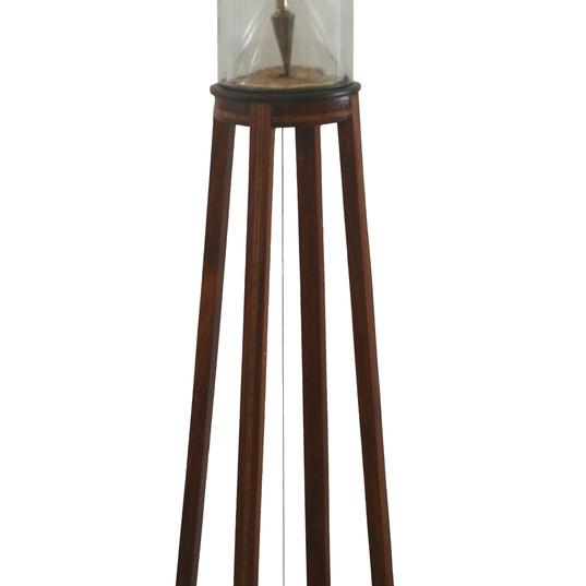 URSULA TAUTZ  Universo-Ilha I ou THURIX-M    2019 móvel em madeira, rádica, redoma de vidro, funil de vidro, balão de vidro, arame dourado, cabo de aço dourado, prumos dourados, lente  20 x 20 x 1,87 cm
