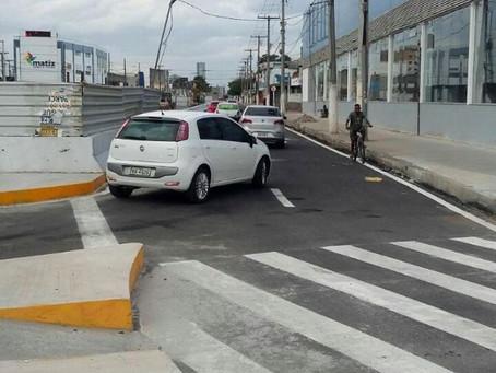 SMT libera tráfego em retorno sobre túnel no cruzamento da Avenida João Durval com Presidente Dutra