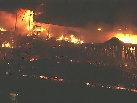 Incêndio atinge galpão nos Estúdios Globo, no Rio de Janeiro