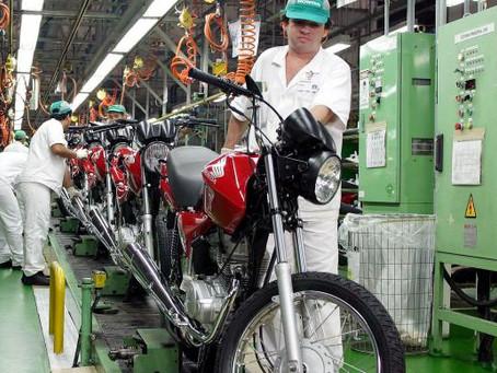 IBGE: número de trabalhadores em empresas de grande porte cai 29% em um ano