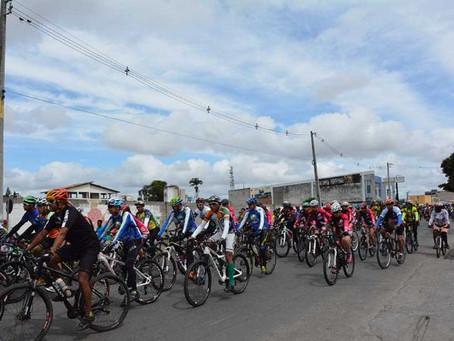 Milhares de ciclistas participaram do 5º Cicloturismo de Feira de Santana