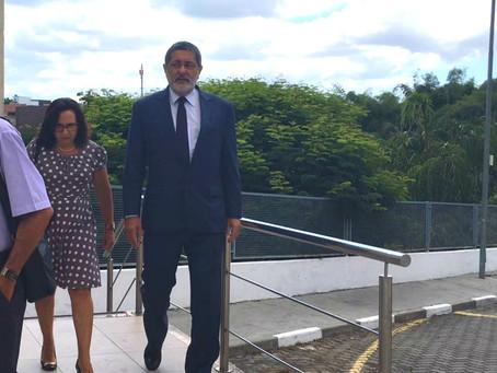Ex-presidente da Petrobras, Gabrielli, depõe em ação da Lava Jato