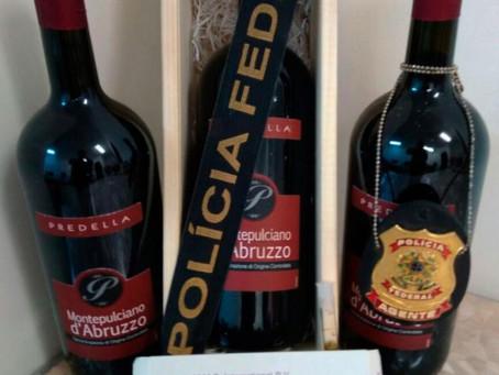 Mulher é presa com ecstasy escondido em garrafas de vinho no aeroporto de Salvador