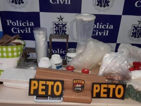 Mulher é presa após laboratório de drogas ser desmontado em Feira