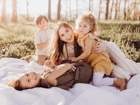Seeing Motherhood