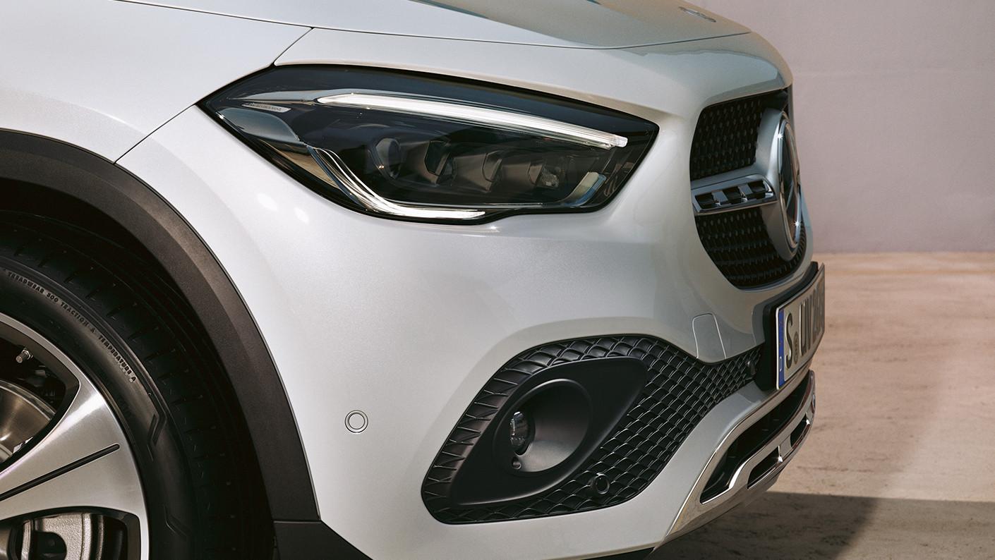 MX-GLA-SUV-2021-003-2-FI-DR.jpg