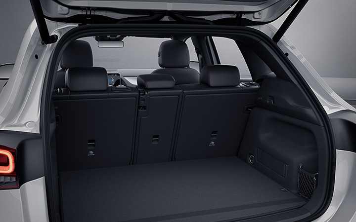 MX-GLA-SUV-2021-6-DR.jpg
