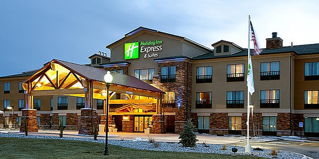 holiday-inn-express-and-suites-lander-4294366890-2x1.jpg