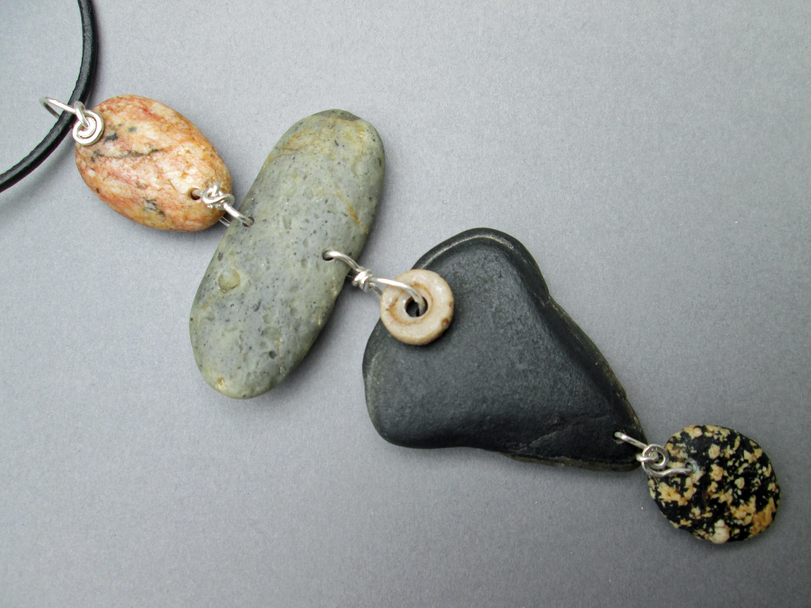 Color stone1