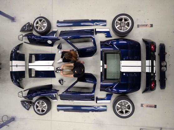 personnalisation haut de gamme supercar en carbone