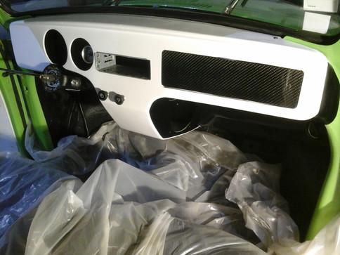Aménagement sur mesure en composite carbone de véhicule
