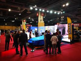 Retromobile 2020 exposition sur stand wheelers dealers France .  piece fibre de carbone