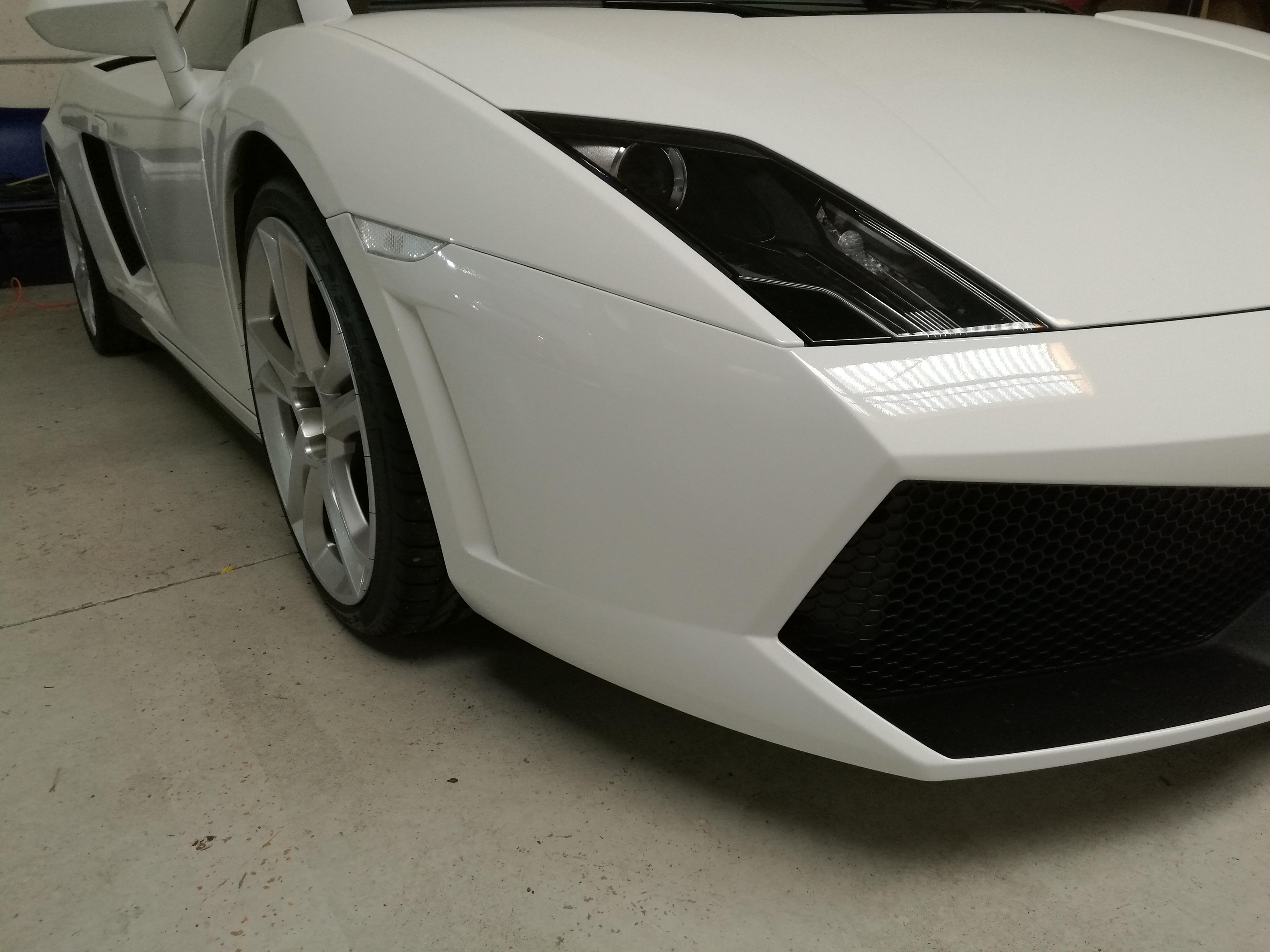 Traitement céramique carrosserie haut de gamme supercar - Lamborghini Sarthe