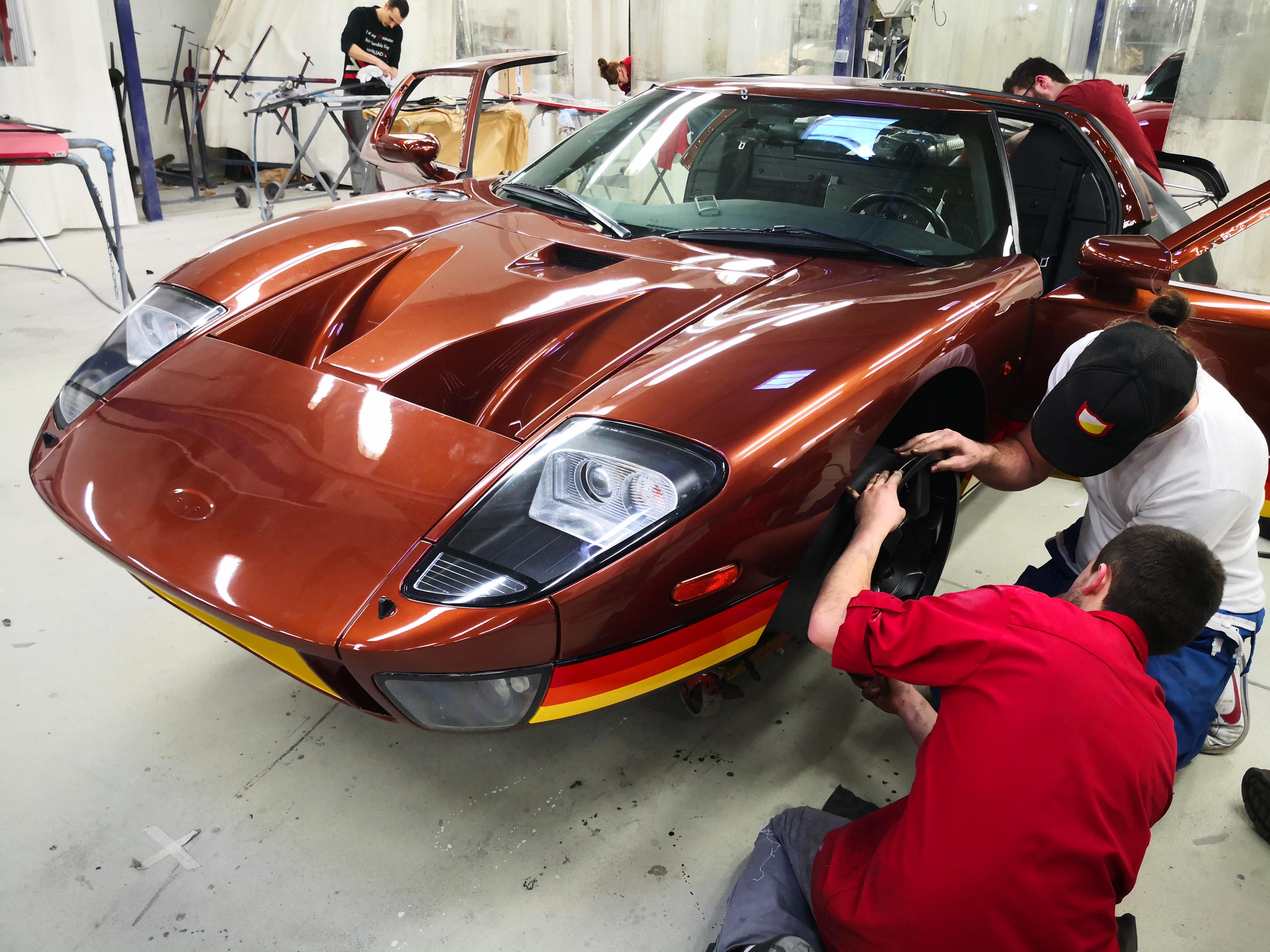 Personnalisation haut de gamme véhicule d'exception et de sport . Atelier automobile Sarthe ( 30 min