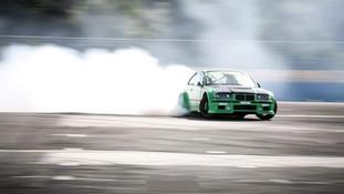 Fabrication piece carbone compétition automobile BMW drift