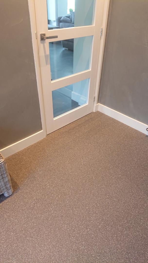 mortel vloer in combinatie met cem line op de muren