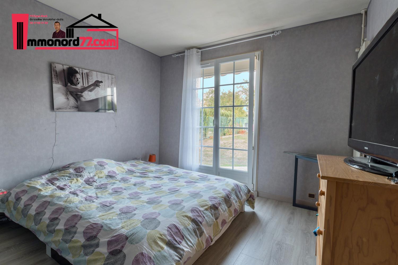 vente-maison-othis-chambre1.jpg
