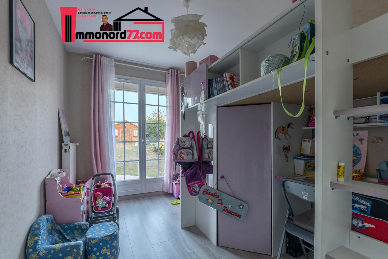 vente-maison-othis-chambre3.jpg