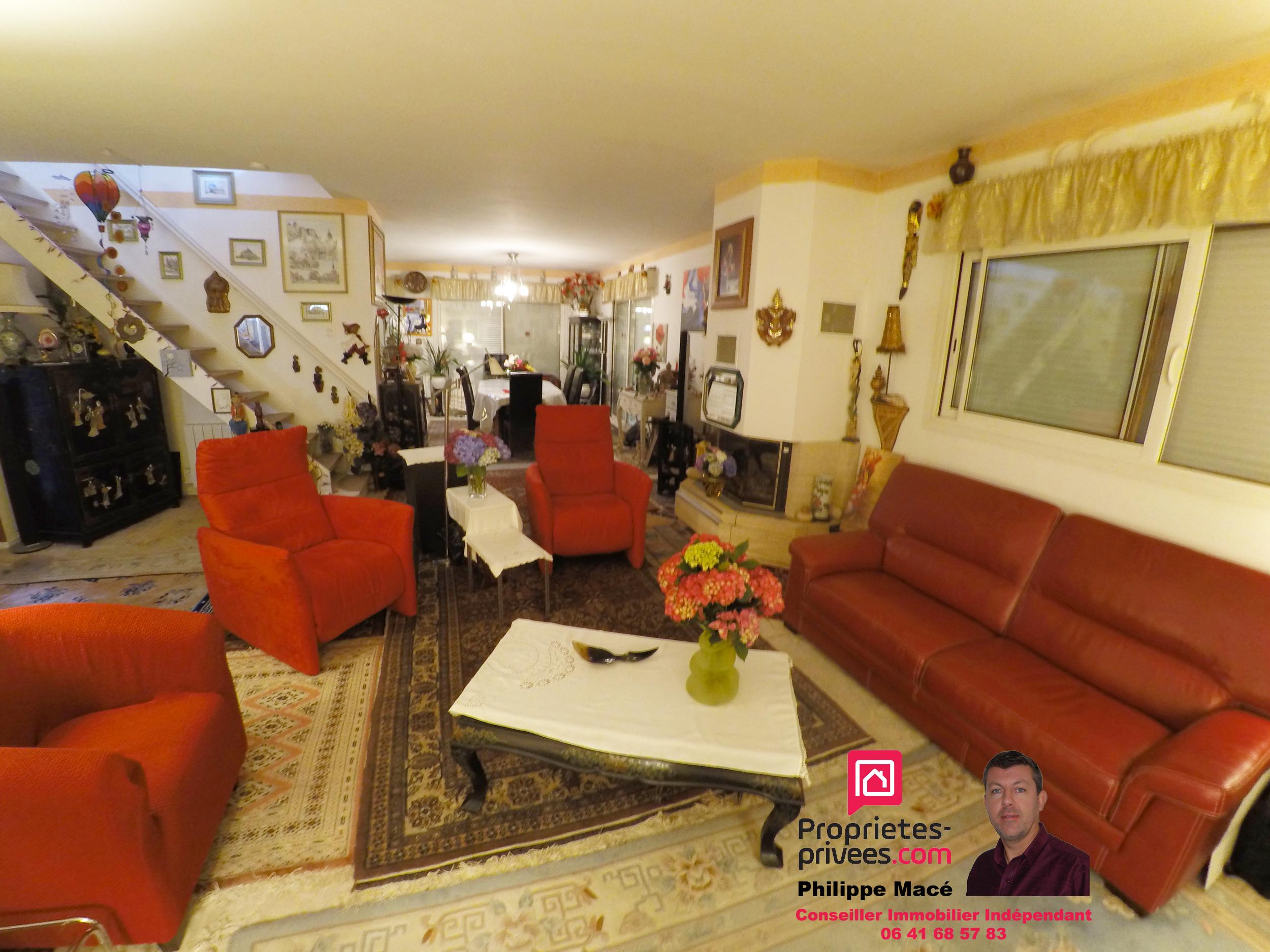 Villa 250m2 - 35540 PLERGUER