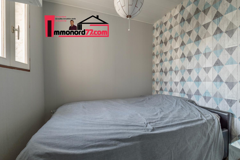 vente-maison-othis-chambre4.jpg