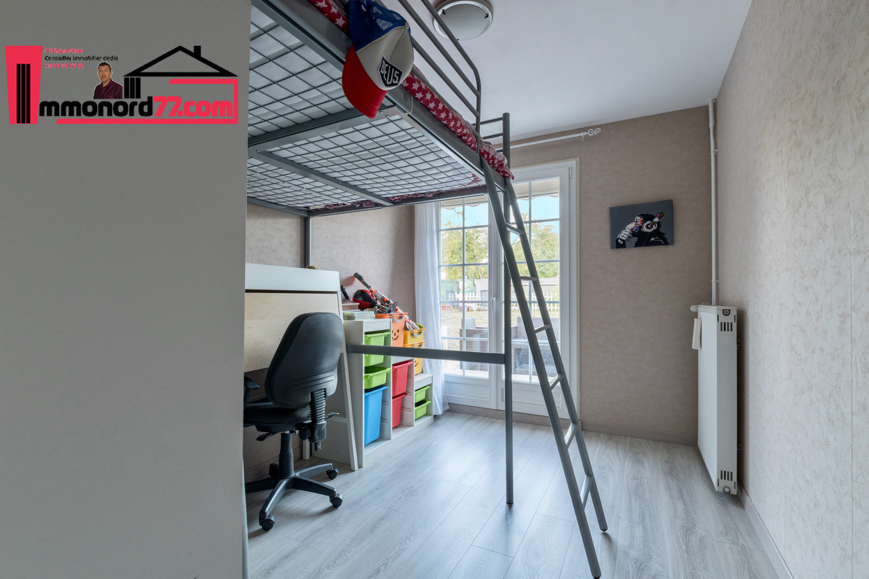 vente-maison-othis-chambre2.jpg