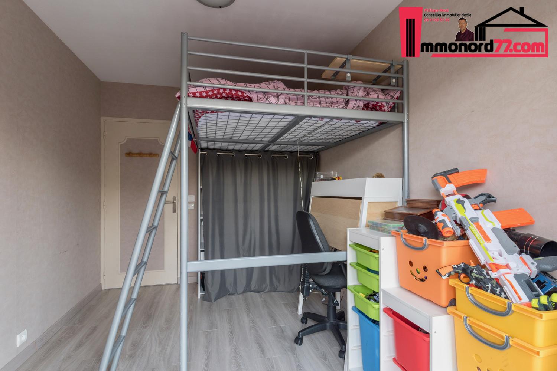 vente-maison-othis-chambre22.jpg