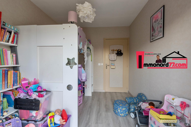 vente-maison-othis-chambre33.jpg
