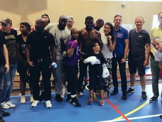 ♦ Hassan Ndam, Champion du Monde de boxe anglaise au Boxing Olympique de Marly-le-Roi