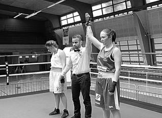 ♦ Boxe anglaise samedi 15 avril 2017 : Belle Victoire aux points d'Auriane Suzanne au Lady Boxin