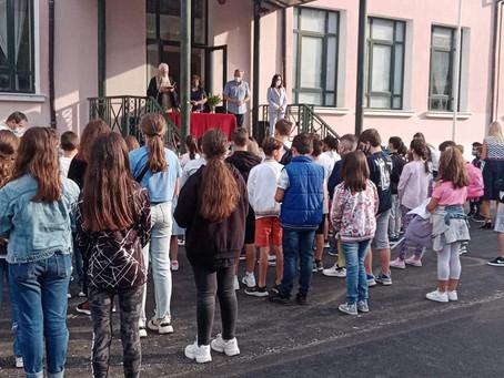 Επίσκεψη σε σχολεία των Σερβίων για τον αγιασμό και την έναρξη της σχολικής χρονιάς