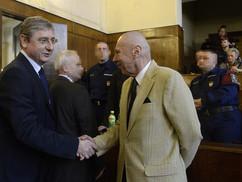Gyurcsány és Gergényi szabadlábon – egy 2006 őszi tüntető viszont börtönbehívót kapott