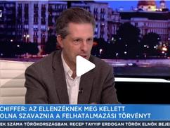 Schiffer: Az ellenzéknek meg kellett volna szavaznia a felhatalmazási törvényt – videó